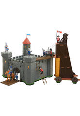 Castillo Medieval Con Torre De Asalto