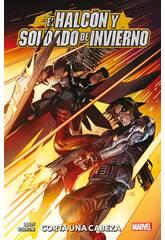 Le Faucon et le Soldat de l'Hiver coupent une tête 100x100 Marvel Panini 9788413346120